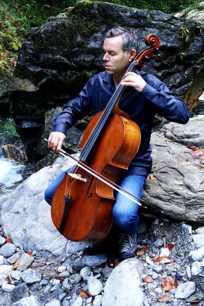 stefan-susana-02-cellist